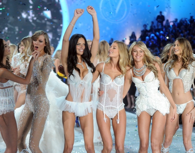 2013-victoria-secret-fashion-show-show