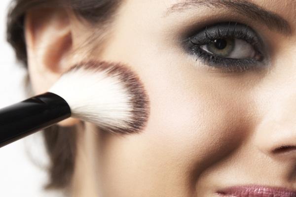 Como cuidar da pele oleosa
