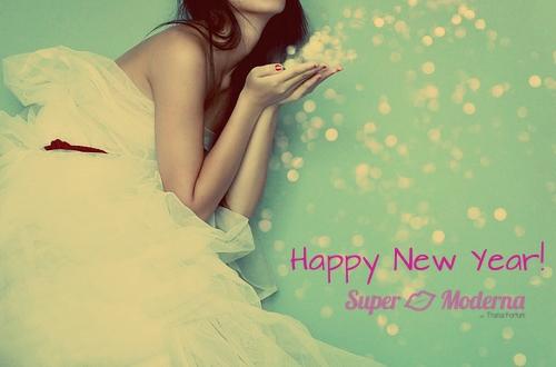 happy new year- super moderna - thaisa fortuni
