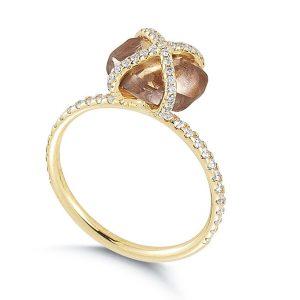 anel de noivado- diamante bruto